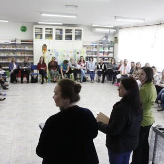 Professores de Joinville recebem capacitação sobre educação financeira